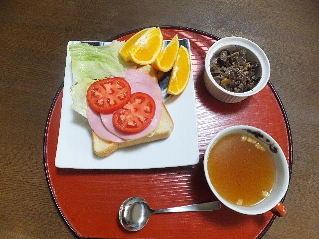 トーストとコンソメスープy