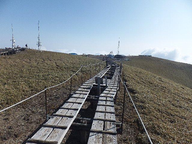 剣山の広々とした山頂台地