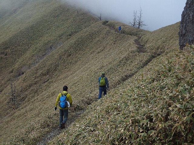 剣山から次郎笈への縦走路