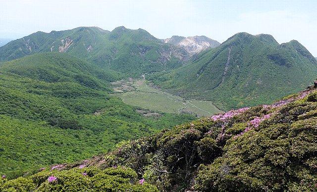 平治岳から遠望するくじゅう連山