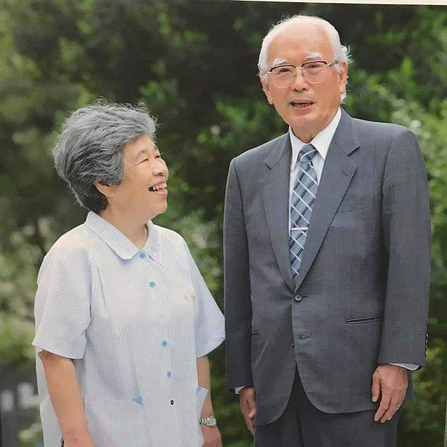 故大山泰弘会長と林緋沙子さん