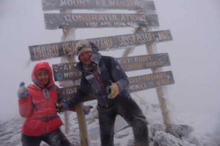 キリマンジャロ登頂を果たした野口健父娘