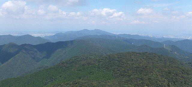 福智山頂から望む皿倉山