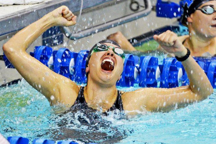 勝利の雄叫び 水泳
