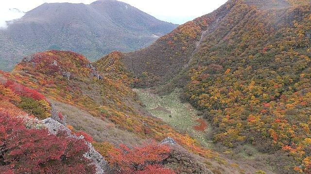 三俣山の紅葉 大鍋
