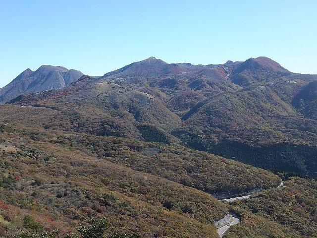 猟師岳から望むくじゅう連山