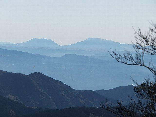 英彦山から遠望する阿蘇五岳