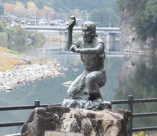 禅海和尚の銅像