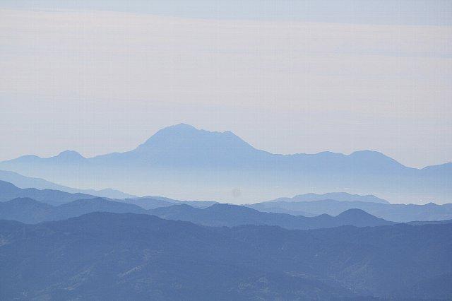 英彦山から遠望する雲仙普賢岳