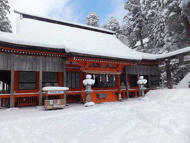 雪景色の英彦山 奉弊殿