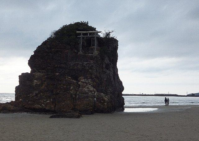 稲佐の浜 弁天島