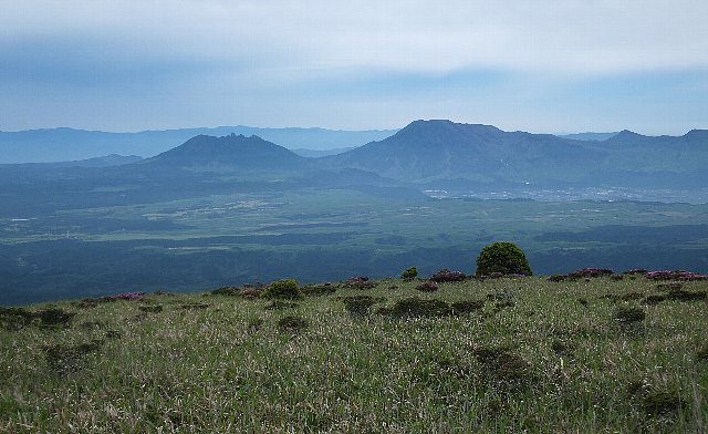 岩井川岳からの阿蘇山